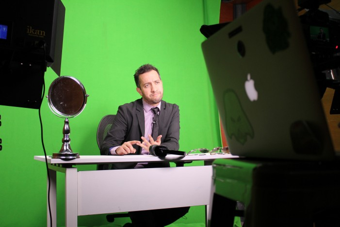 LATimes: Satirical Mexican news show on YouTube goes where TV won't